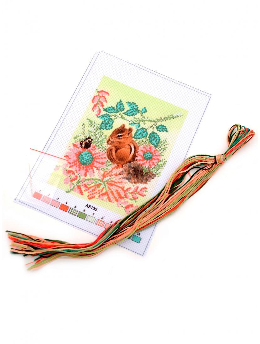 Набор для вышивания крестом «Бурундук и цветы»