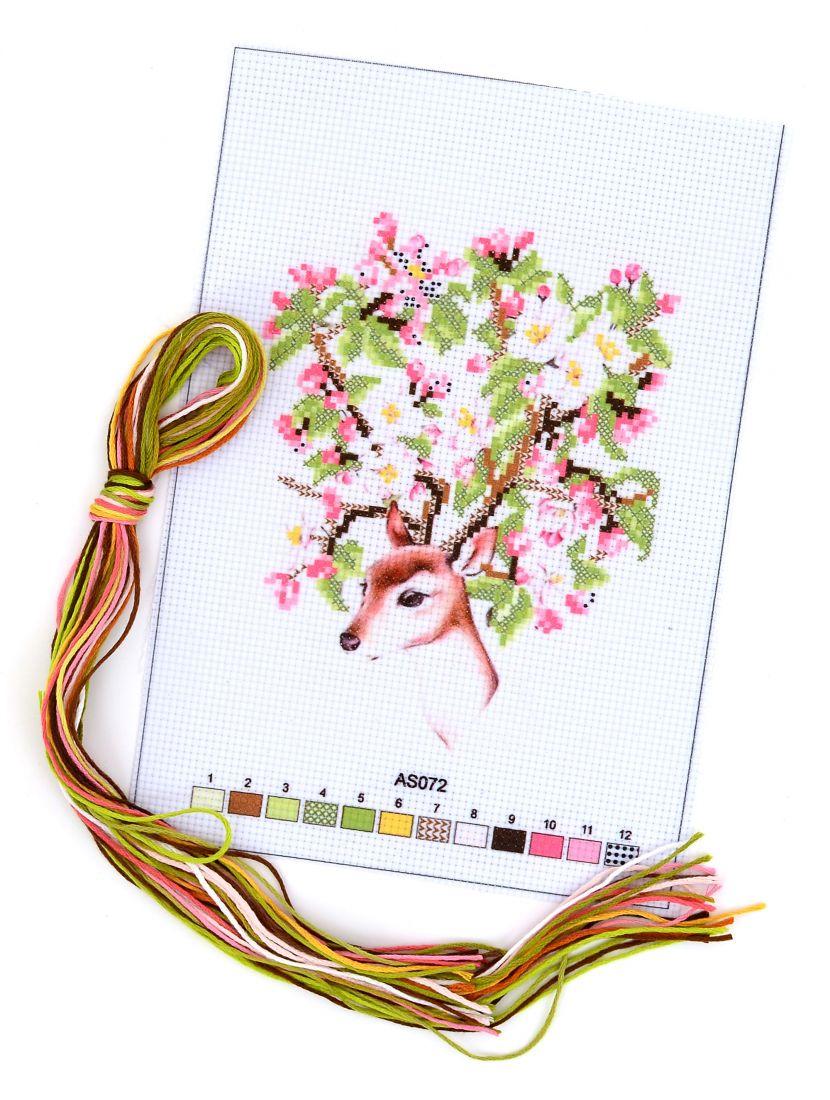 Набор для вышивания крестом «Лань и цветущий куст»